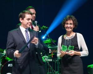 Przedstawiciel gminy Bielsko- Biała Katarzyna Kondas wraz z Tomaszem Szymkowiakiem.